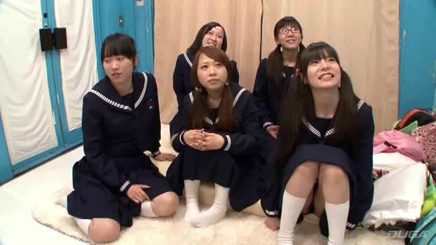田舎から東京にやって来た修学旅行生9 SOD流の「Hなアンケート調査」をしたら汚れなき純潔無垢な女の子たちの甘酸っぱい処女喪失!?が撮れました - 女子校生